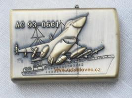 Stylový zapalovač na benzin bitevní letoun AC-93